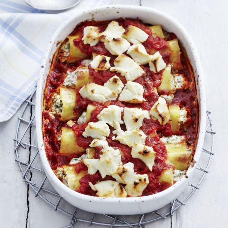 Mit tiefgefrorenen Kräutern und geriebenem Käse können Sie die Kräuter-Frischkäse-Cannelloni noch schneller zubereiten.