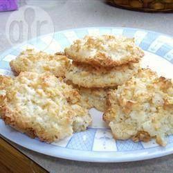Кокосовое печенье с кукурузными хлопьями без муки: белки, хлопья, стружка, сахар