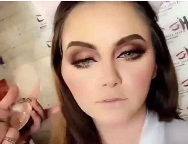 لون مميز من ذهب اللون لمار گري باقي اثنين بس مميزات هذا العدسات تلبس على الوجهين ومن النوع الطبي المصرح عالميا من هيئة الص Instagram Posts Nose Ring Instagram