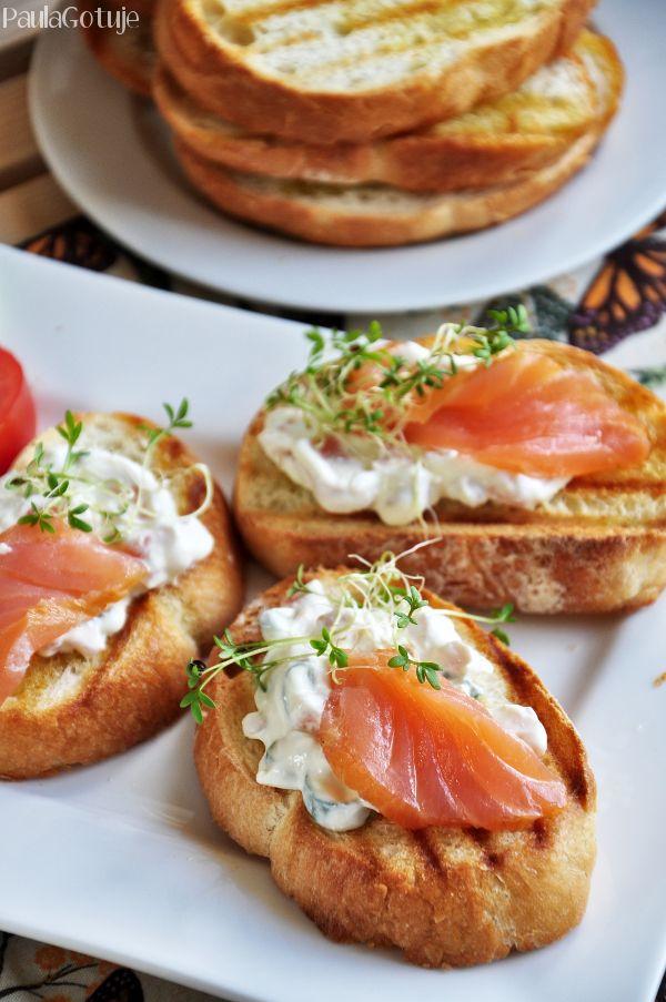 Grzanki z łososiem #grzanki #łosoś #śniadanie #pycha #mniam