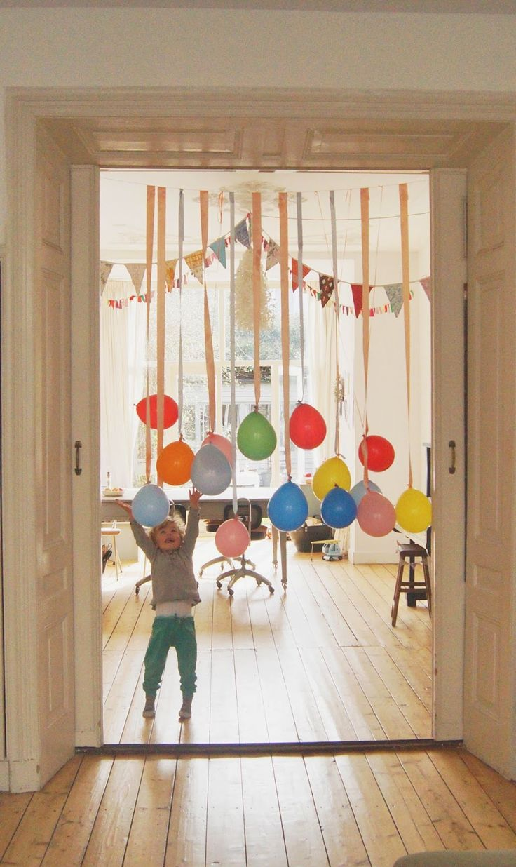 Hang Balloons On Ribbon For A Kids Party Super Cute And We Have Great Entry Way Into The Living Room Now That This Would Work