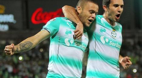 Jonathan Rodríguez anotó un tanto para el Santos Laguna pero su equipo cayó ante Cruz Azul por 3-1 en la sexta fecha del torneo de México