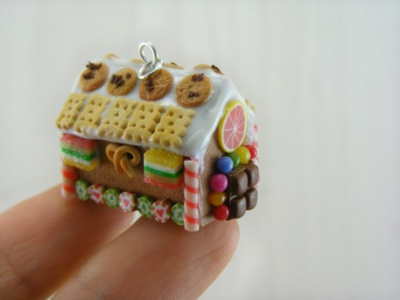 tiny: Tiny Things, Tiny House, Charms, Minis, Candy House, Miniatures Gingerbread, Gingerbread Houses, Polymer Clay, Dollhouse Miniatures