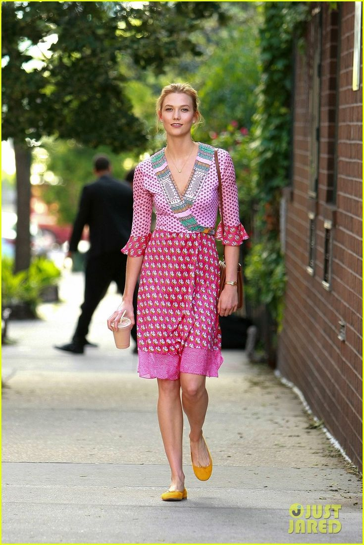 Karlie Kloss Celebrates Four Years With Joshua Kushner | karlie kloss coffee anniversary boyfriend josh 04 - Photo