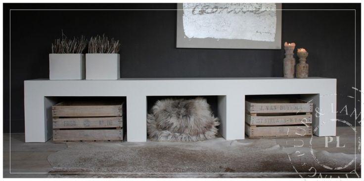 Prachtig stoer meubel in PURE WHITE. Leverbaar in iedere gewenste afmeting.
