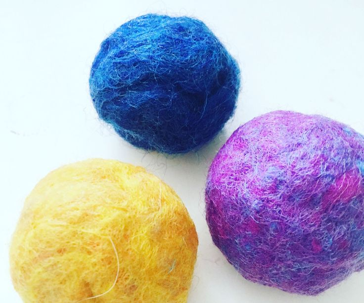 Wool Dryer Balls: 4 Steps (with Pictures) http://www.instructables.com/id/Wool-Dryer-Balls/
