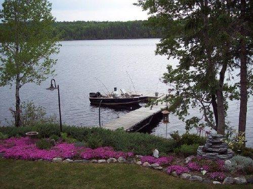 Lakeside living!!