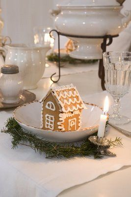 just an image, but love the mini gingerbread house ~ from Villa Huvudsta Inredning