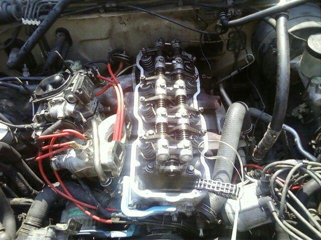 12d30b15a278a7abe9149af8aaa70328 in the middle the top alice(nissan d21 hardbody single port fuel injection 300z) just