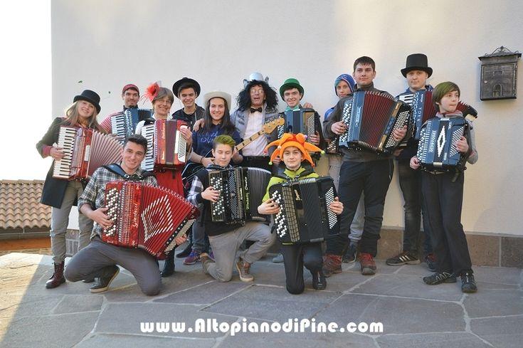 Carnevale Faidero 2017 - Fisorchestra delle Dolomiti - foto ANDREA NARDON per www.altopianodipine.com