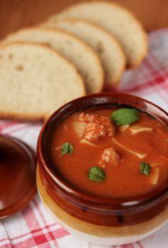 zupa gulaszowa , rozgrzewajaca zupa , zupa wegierska , zupa na zime , krem rozgrzewajacy , pulpeciki , ostra zupa , ostra na slodko