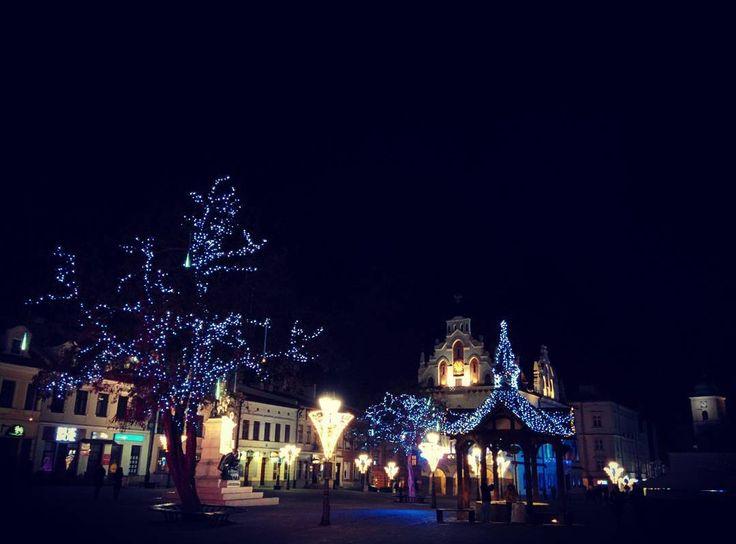 ...way too short (time to travel back)  #ipoświętach #rzeszów #igersrzeszow #alpakamybags #polska #poland #podkarpacie #bynight #lovetheworld #christmaslights #middletown