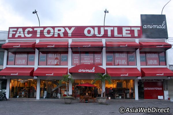Kuta Beach Shopping - Where to Shop and What to Buy in Kuta Beach