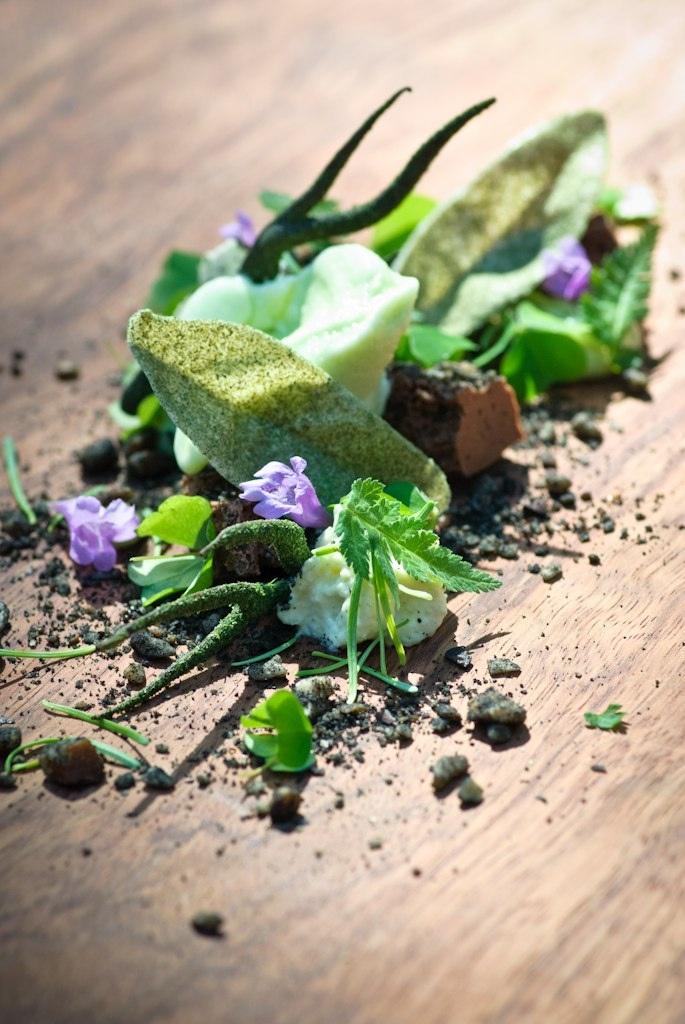 By Mielcke & Hurtigkarl, Denmark... Food art en vert... façon Danette saveur Chocolat Noisette