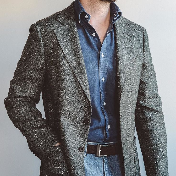 Denim on denim on slub. @spiermackay E. Thomas slub jacket and denim shirt (bring on the Albiate upgrade ) @orslow 3 year wash 107 and @allenedmonds shell cordovan belt. . . . #spierandmackay #orslow #allenedmonds #selvedgedenim #rakish #rakishgent #classicmenswear #stylishmen #menstailoring #stylishgent #sartorial #madetobeworn #styleforum #dandystyle #mnswr #ptoman #mensweardaily #menswearblog #mensjackets #dapper #dappered #sprezzatura #style #stylish #fashion #menstyle #mensfashion…