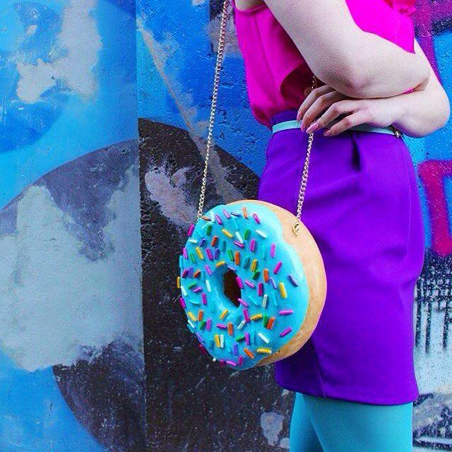 Artista holandesa cria bolsas e acessórios em formato de doces | Estilo