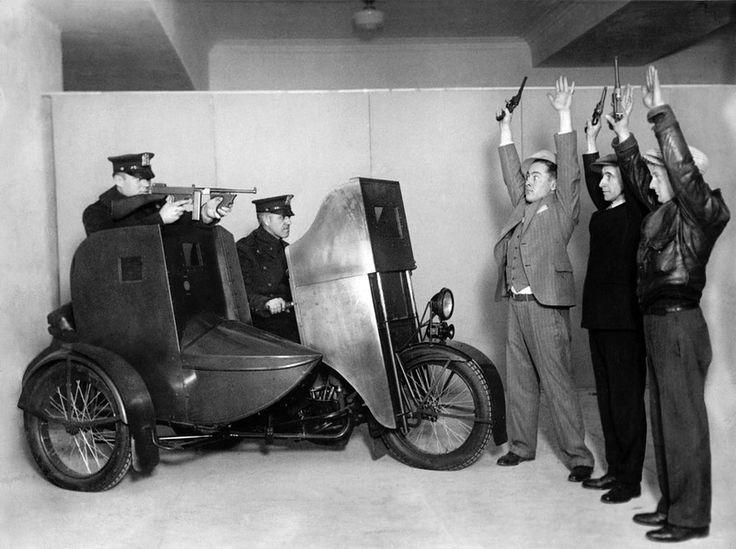 Old Harley-Davidson ad for police sales.