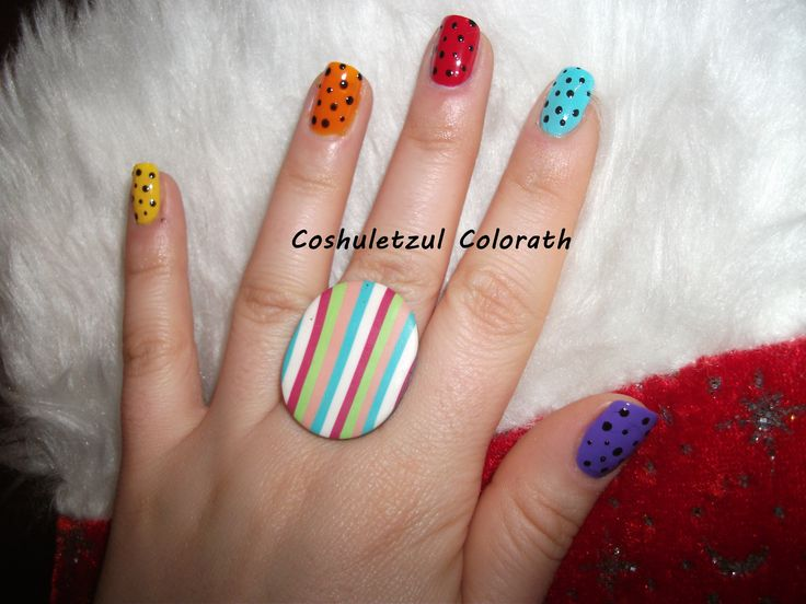 dots, colorful nails, black dots