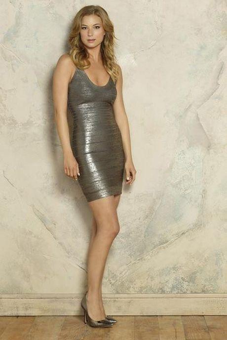 Emily VanCamp Stars as Emily Thorne in Revenge Season 3