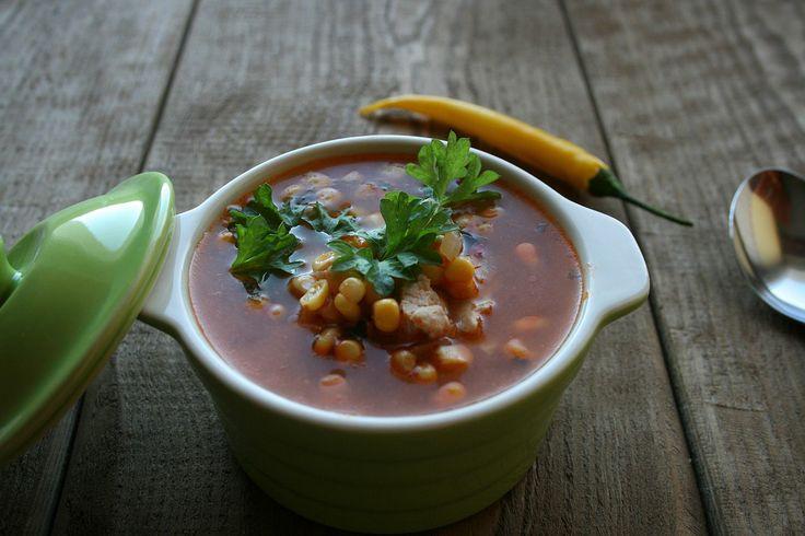 Pikantna zupa z kurczakiem i kukurydzą