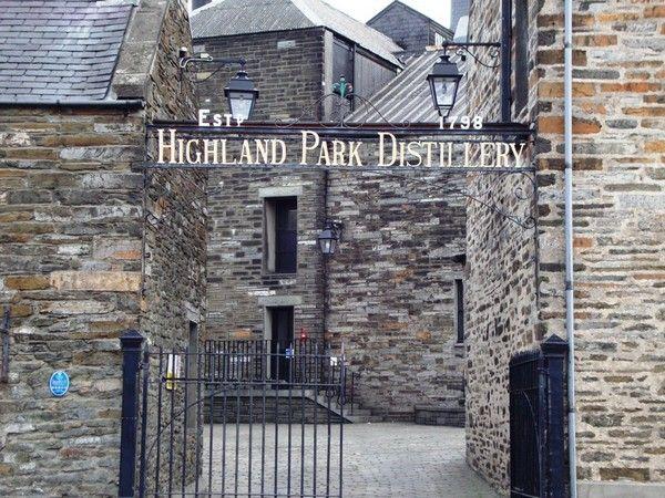 l'Ecosse concentre le plus grand nombre de distilleries au monde. Avec plus de 97 distilleries de malt en activité, elle offre une diversité de caractères et d'arômes absolument unique (Crédit photo DR).