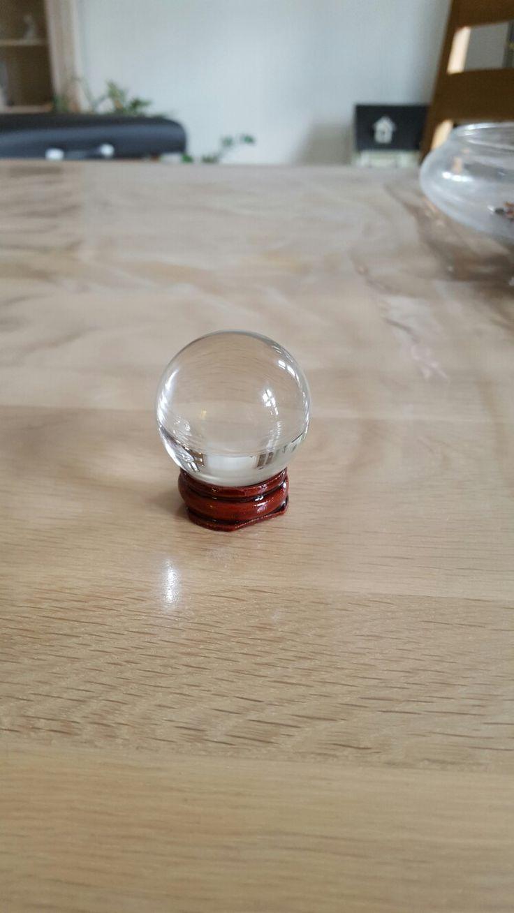 Glas kugle med energier i