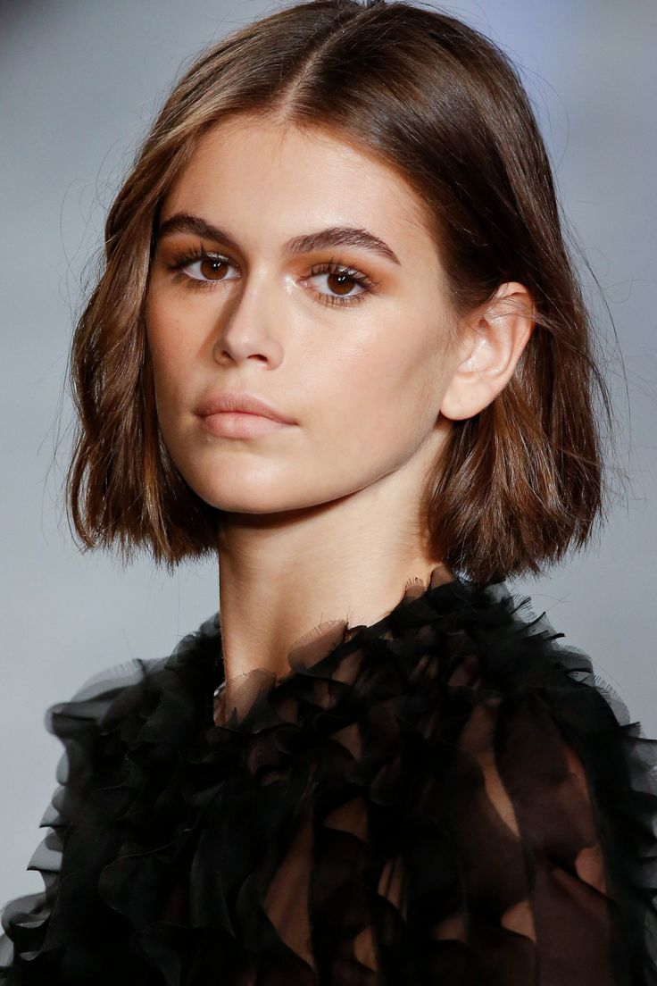 This is the haircut adopted by all models in 11  Short bob