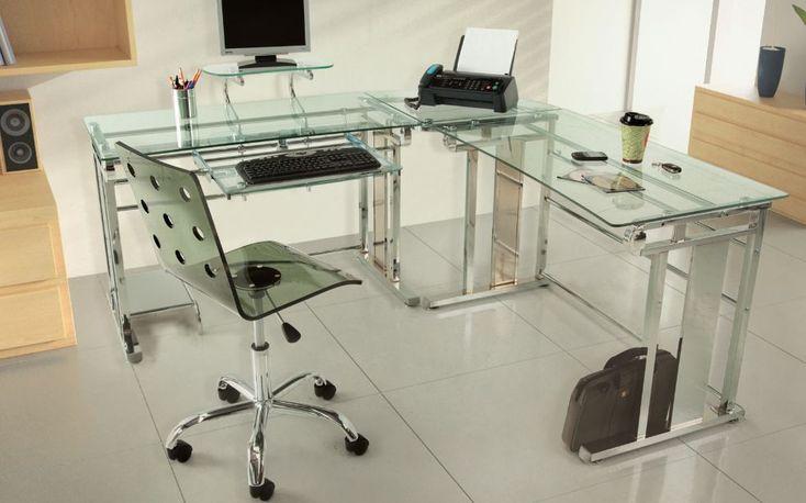 Las oficinas con escritorios de cristal son una tendencia muy marcada en la nuevas decoraciones.