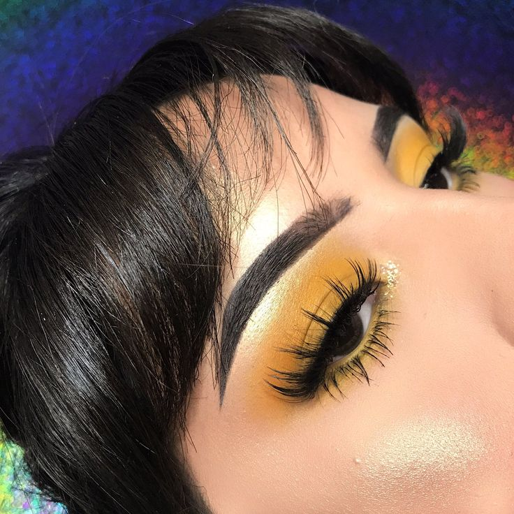 I've really been digging yellow lately. I guess cause it actually compliments my tones.