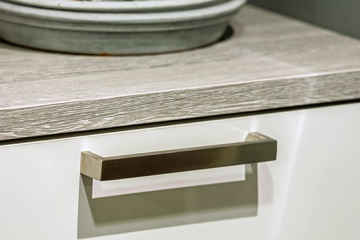 Moderne keuken met strakke handgrepen | DB Keukens