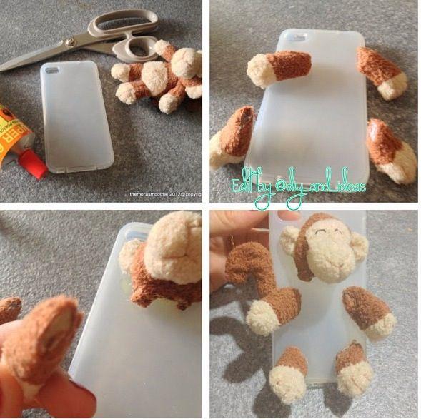 DIY: hoesje voor je mobiel van een knuffel aap.