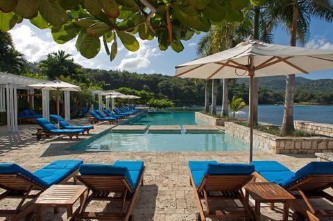 Hotel Deal Checker - Round Hill Hotel & Villas