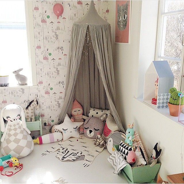 kids corner, play canopy, by willieandmillie on instagram #bunnyinthewindow