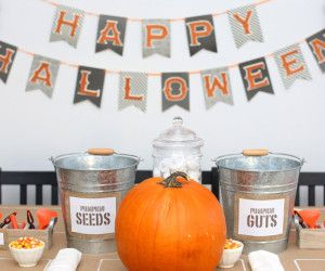 DIY Pumpkin-Carving Table