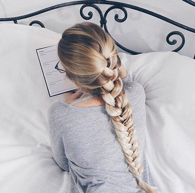 Sunday vibes from @sarah.nourse in her 160g Bleach Blonde @luxyhair extensions ❤❤ Double tap if you had a relaxing weekend!
