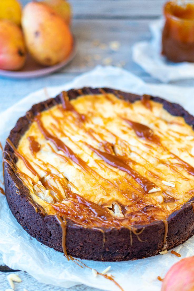 Birnen-Schmand-Kuchen mit Karamellsoße