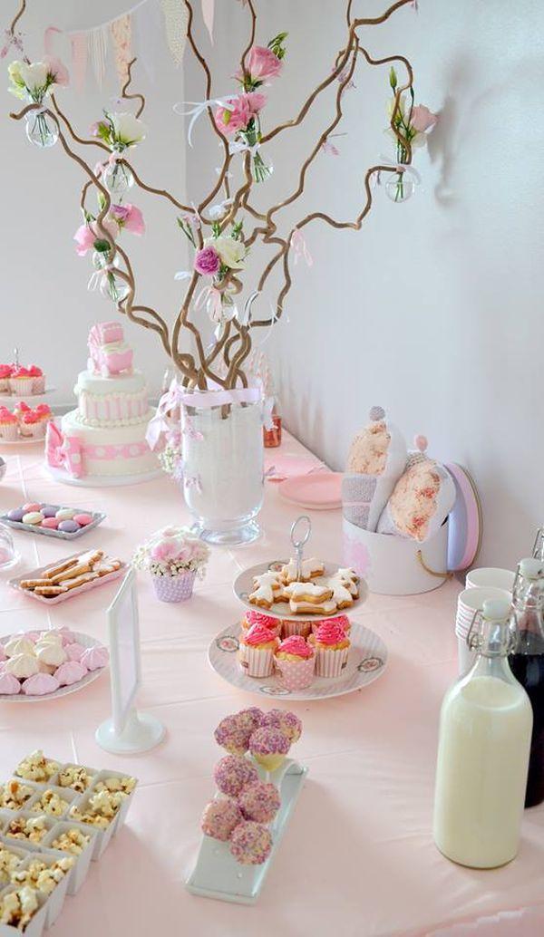 Une baby shower rose et liberty pour des jumelles