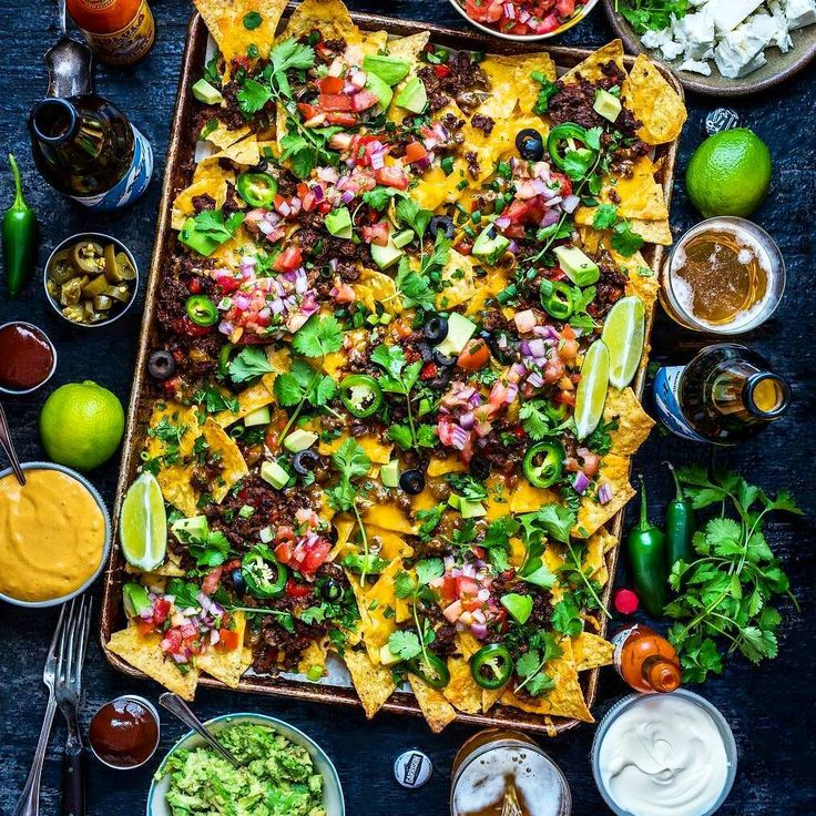 Steak Taco Nachos  Guacamole  Ice Cold Beer  Superbowl = Man Heaven!  Blog: http://ift.tt/1vCV6pv  Courtesy: The phenomenally talented Dennis the Prescott | @dennistheprescott  #nfl #football #superbowl #sunday #weekend #patriots #falcons #party #tacos #nachos #beef #steak #cheese #avocados #recipe #heaven #snack #appetizer #food #foodporn #foodpic #foodgasm #feedme #getinmybelly #beautifulcuisines #f52grams #ftw #winning #nachosmakeeverythingbetter