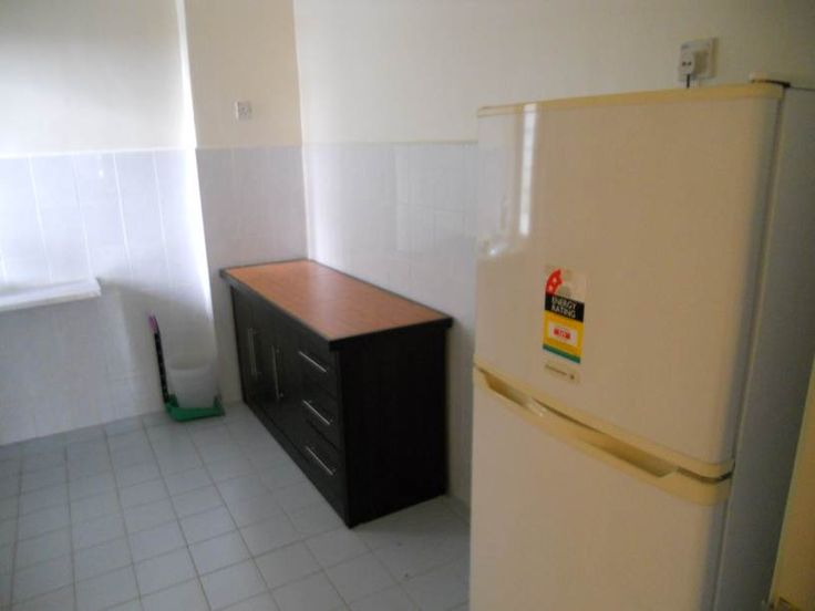162 Residency 5 - 162 Residency, Selayang -3r2b – Lower floor (with Lift) Easy Access, Strategic Location, Next to Main Road. – MRR2 – Selayang Kepong Highway – Proposed KL Outer Ring Road – Selayang Hot Springs – KLCC ~ 10 mins drive Very Nearby Amenities: – Shopping Centres (Selayang Capitol, Selayang Mall) – Hypermarkets (Tesco, Carrefour, Giant, Warta, Pasar Borong Selayang) – Selayang Hospital – Very Convenient