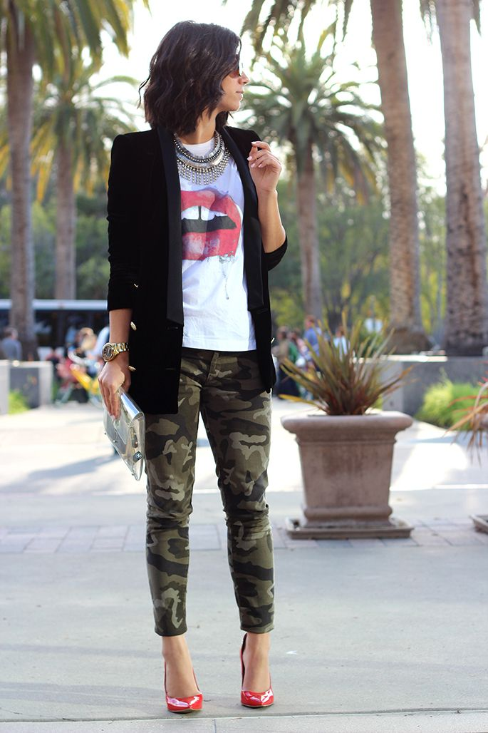 Graphic T // blazer // camo pants // pumps