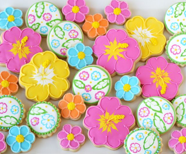 Luau Flower Cookies (with decorating tutorial)