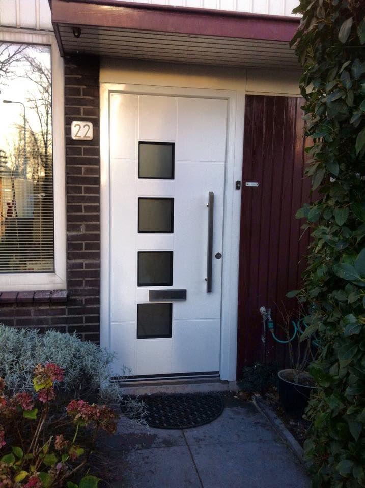 We <3 onze Inotherm voordeuren! deze worden zelf door de klant samengesteld! www.bogers.nl