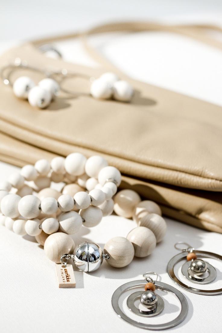 Bracelets and earrings - Aarikka