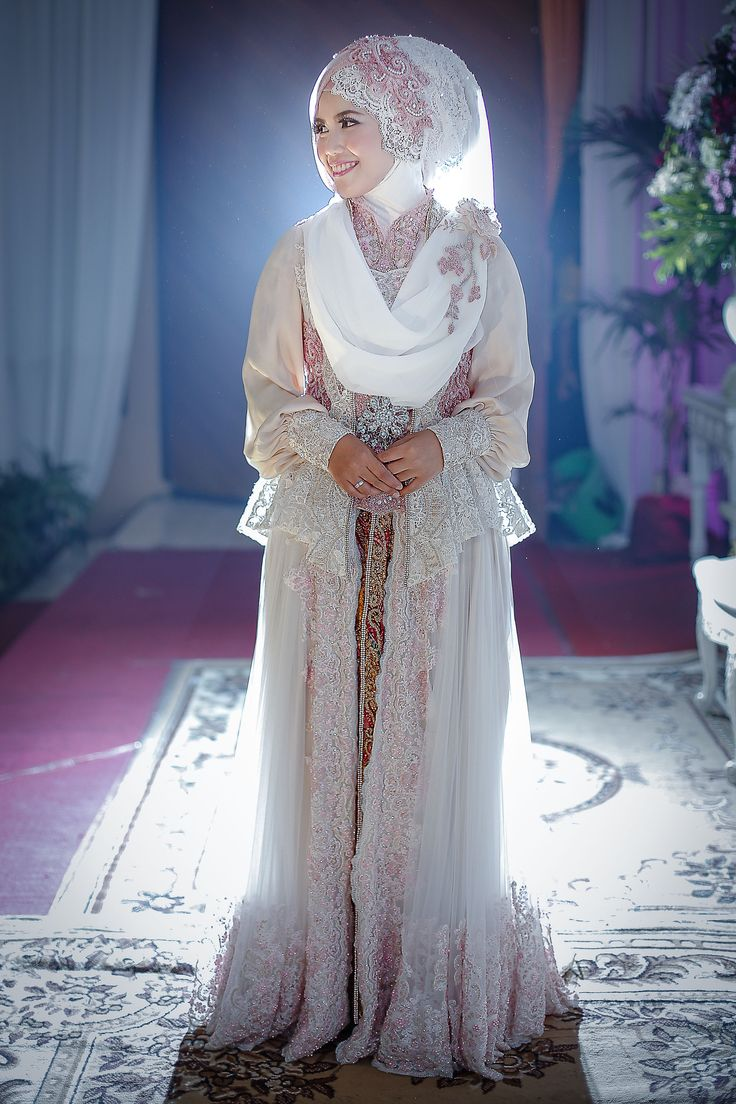 This is incredible! Unique work by  LAKSMI - Kebaya Muslimah & Islamic Wedding Service http://www.bridestory.com/kebaya-laksmi/projects/sweet-and-syari-wedding-fikri-and-mega