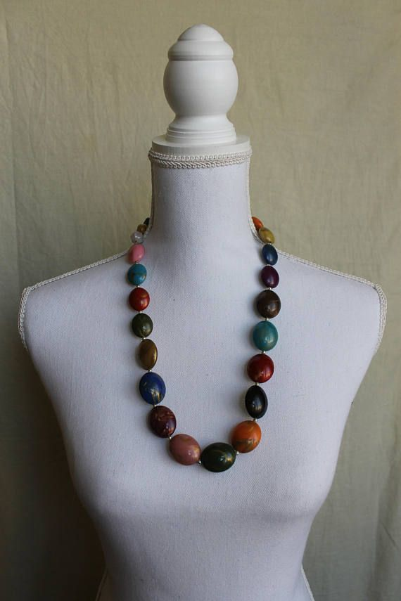 Art deco jewelry Vintage Harlequin Necklace - Painted beads Colorful Beads Glass Necklace Rainbow necklace 70s jewelry Vintage elegant gift bohemian look hippie style retro accessories retro inspiration This is a very quirky and vibrant glass beaded necklace from the 70s. The colors pop out and can bring to life any outfit.