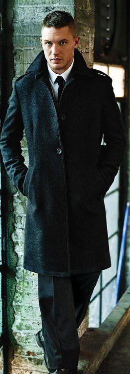 Tom Hardy.....oooh momma likey!