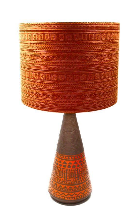 Ce Spectacle Sarretant Mid Century Italian Raymor Lampe De Table Est Un Veritable Produit Etonnant Fait Encore Pl Retro Lamp Mid Century Pottery Vintage Lamps