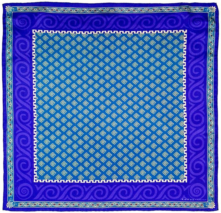 Fabric : 100% Pure Silk Type   : Foulard 7m/m Print   : digital Hand-rolled edges Dimensions  : 50x50cm / 19''x19'' Theme : Ancient Greek Motifs 17-50-132 Purple-Beige
