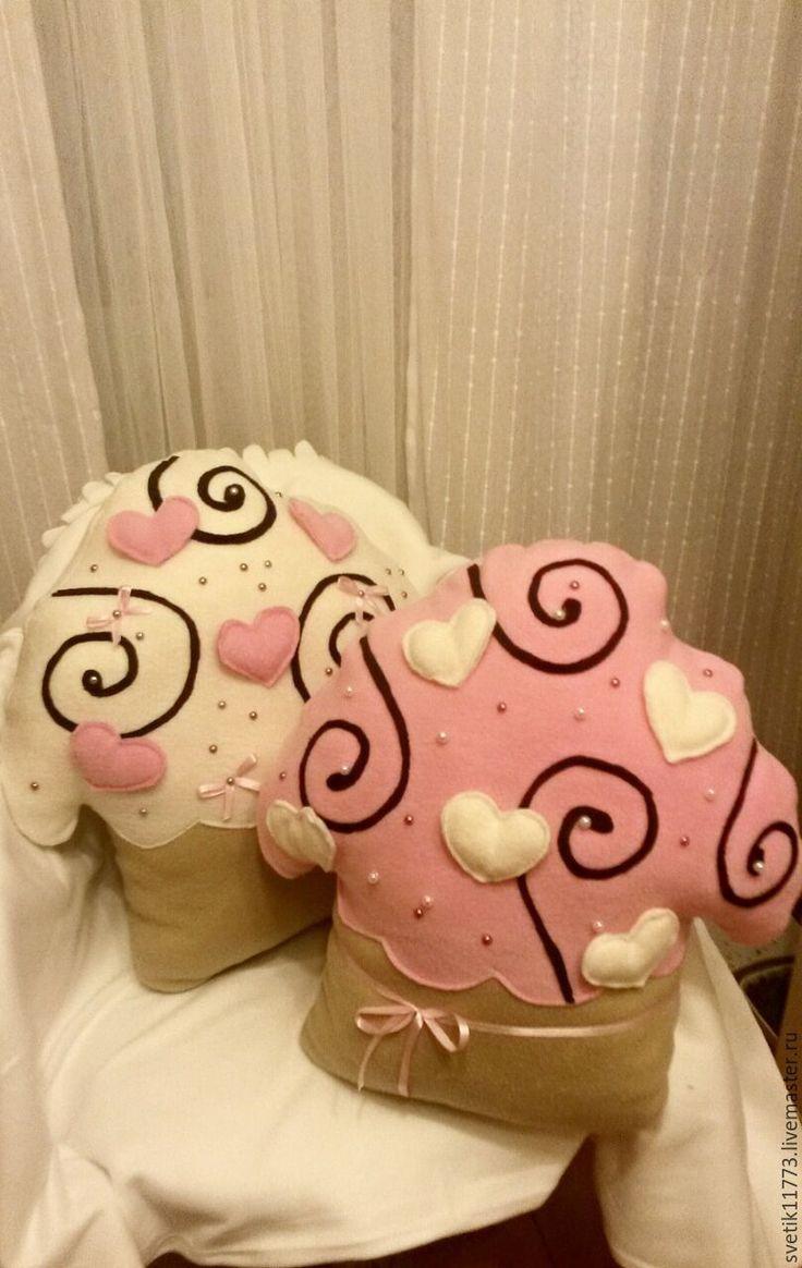Купить Подушка Пироженко - бледно-розовый, подушки декоративные, подушки на заказ, подушки ручной работы