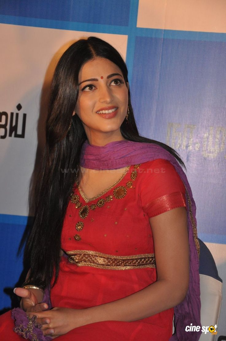 Shruti Hassan Photos (2)